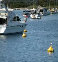 Yachtcharter Balearen - Festmachen an Bojen statt Ankern