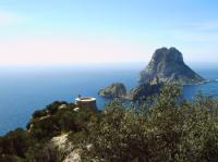 Charter Ibiza / Formentera: Die Felseninsel Es Vedra ist ein Besuchermagnet