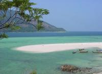 Charter Malaysia: Im Butang-Archipel nördlich von Langkawi gibt es spektakuläre Ankerplätze