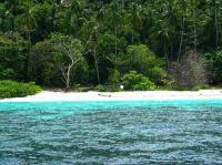 Yachtcharter Malaysia : Einsame Buchten mit nichts als einem Strand und Dschungel dahinter