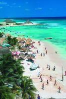 Charter Mexiko: Fein wie Mehl ist der Sand an der kilometerlangen Playa del Carmen