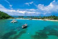 Yacht Charter Kleine Antillen: Das kristallklare Wasser lädt zum Schnorcheln und Tauchen ein