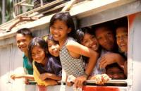Yachtcharter Thailand: Wo immer man in Thailand auf Menschen trifft, sieht man sie lächeln