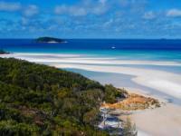 Charter Australien - Whitsundays - Paradies aus türkisem Wasser, weißem Sand und tropischer Vegetation