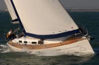 Yachtcharter Yacht-Tipp - Dufour 425 GL: Flinke und komfortable Yacht